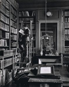 André Kertész  Académie Française, Paris, 1929