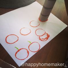 Halloween and fall craft for toddlers. Use paper towel or toilet paper roll :-) @happyhomemaker_