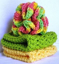 Free crochet pattern on Craftster.com - Annabelle's bath puff and washcloths patterns.  Pattern:  http://HandmadeByAnnabelle.Blogspot.com