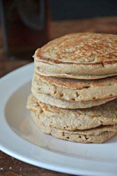 Banana Oat Blender Pancakes, www.mountainmamacooks.com