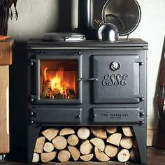 wood stove/ cooker