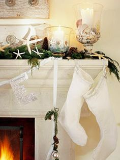 Christmas and beach decor together..cute