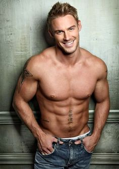 Jessie Pavelka!! Beautiful. Funny story.. Some guy on plenty of fish was using his photo before I knew who this was. I am so happy I know who this beautiful photo belongs to!!!!
