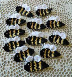 crochet d lane: Free Bumble Bee Appliqué Pattern