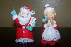 Vintage Santa Claus Collectibles ~ Santa & Mrs Claus Christmas Salt & Pepper Shakers * Circa, 1950's