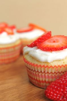 Strawberry  Cupcakes with Cheesecake Center