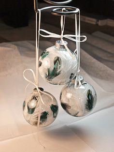 Easy Feather Christmas Ornaments!