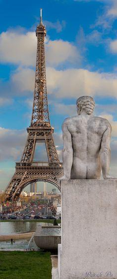 Eiffel Tower~ pensif