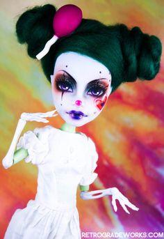 tumblr_mk8p2xJwxS1ru3ezgo1_500.jpg (500×727) high custom, high doll, custom monster, bjd ooak doll, bjd doll, monster high, monsterhigh, ooak monster, custom ooak