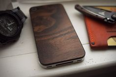 material 6 wood Iphone cover