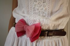 DIY: Ombre tulle bow embellishment to dress up thrifted belts.