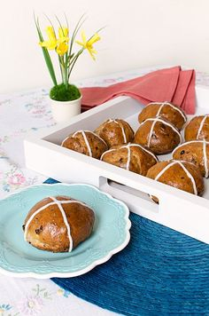 Hot Cross Buns | Bob