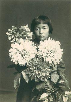Yayoi Kusama, 1939, age 10