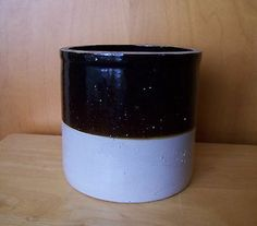 Antique Stoneware 1-Gallon Crock in Brown and White Salt Glaze