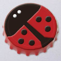 Ladybug bottlecap magnet, these are so cute! Now I need some bottle caps.