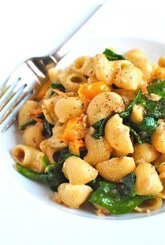 Tomato, spinach pasta