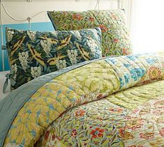 Scalloped Organic Patchwork Quilt & Sham