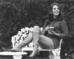 Natalie Wood.... and her legs.