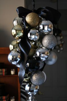 Christmas ornaments chandelier via [Mr. Goodwill Hunting]: my thrifted $4 box of ornaments