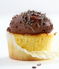The PERFECT Yellow Cupcake. I tested over 20 recipes before finding this one!