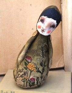Wonderful soft sculpture doll by Gillian Lee Smith. http://gillianleesmith.wordpress.com/