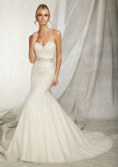 Breathtaking wedding dress!
