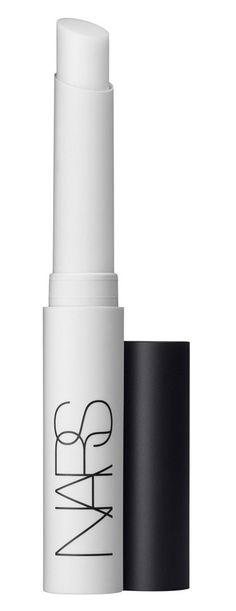 Smoothes fine lines and reduces pore size for flawless skin
