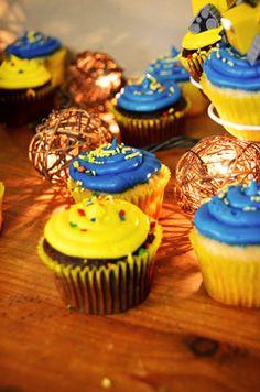 #cupcakes #yellow #blue #chocolate