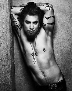 Dave Navarro, oh Carmen, how could you let this one get away...