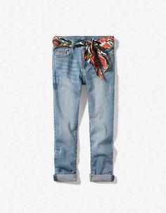 jean avec foulard imprimé  coût: 23,95€ zara.com