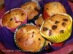 strawberry & choc chip muffins