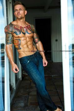 Ink-redible #inked #inkedmag #inkedguys #guyswithtattoos #guys #tattoo #tattoos