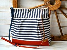 BEST SELLER Diaper bag / Messenger bag STOCKHOLM Navy