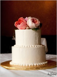 Small cake with peony topper - Photo by Jason