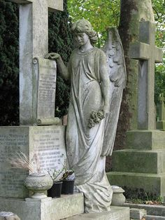 Angel Cemetery Monuments | Graveyard and cemetery angel statues