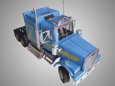 Paper model of Western Star truck by SiZePaper on Etsy, $10.00