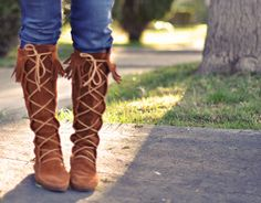 Minnetonka Moccasins boots- suede fringe lace up boots by ...love Maegan, via Flickr - I love these boots!