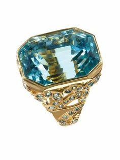 2013 JCK Jewelers' Choice Award Winner: Best Ring Design Over $10,000: Paula Crevoshay ring with 38.74 ct. aquamarine, 0.40 ct. t.w. diamonds, and 3.83 cts. t.w. blue zircon; $91,700 #PaulaCrevoshay #JCK #aquamarine #diamonds #bluezircon