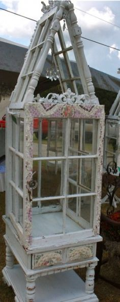 mini greenhouse conservatory « HAUTE NATURE - made from reclaimed windows, tables, spindles, etc. Inspiration.