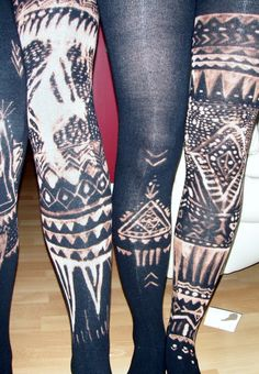 diy bleach pen tights. I love love love the look of these for winter.