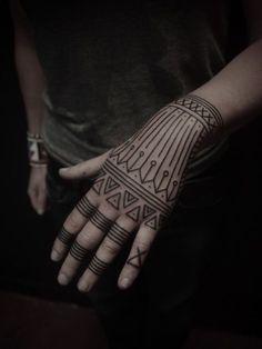 Geometric tattoo...Maybe I'll do it in Henna