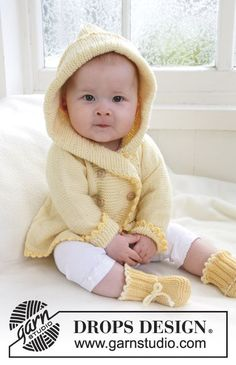 """Free pattern for: Knitted DROPS jacket with hood and booties in """"Baby Merino"""". ~ DROPS Design"""