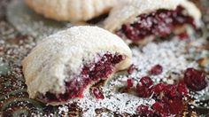 طريقة عمل معمول بتوت الكرانبيري - Cranberry maamoul recipe
