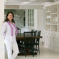 Award-winning New York designer Karen Williams gives tips for smart and stunning cook spaces. coastalliving.com