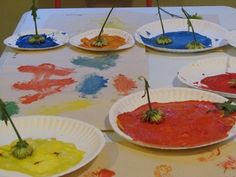 Blooming art in the preschool classroom by Deborah from Teach Preschool at PreK + K Sharing