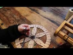 ▶ Video Tutorial WoolWench Warping A Circular Loom - YouTube