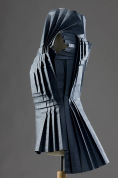 Animated fabric sculptures created with a mix of techniques inspired by the art of origami - outfit by Morana Kranjec