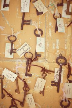 weathered skeleton keys, tags with guest name and table number