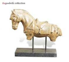 hors figur, bedroom idea, garbo mirror, horses, mantel