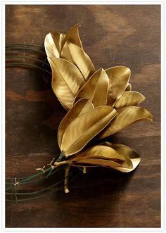 DIY holiday magnolia wreath instructions